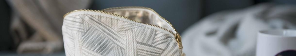 Pochettes en tissu   Le Pompon - Décoration textile contemporaine